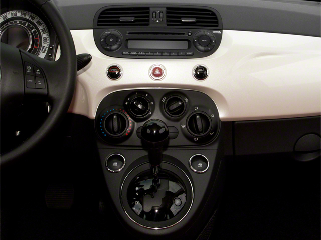2012 FIAT 500 Pictures 500 Convertible 2D Lounge photos center console