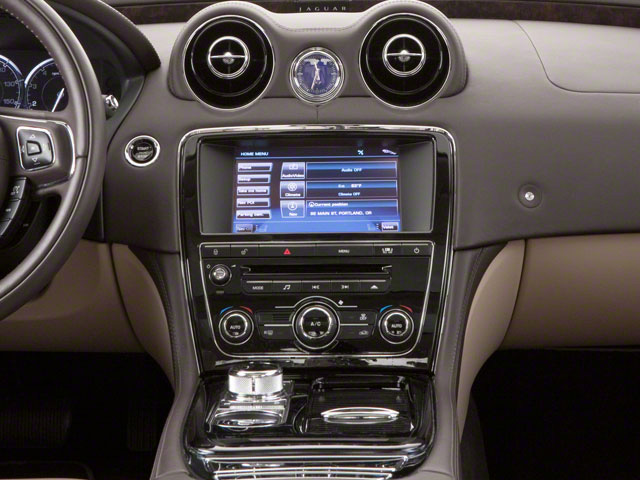 2012 Jaguar XJ Pictures XJ Sedan 4D L photos center console