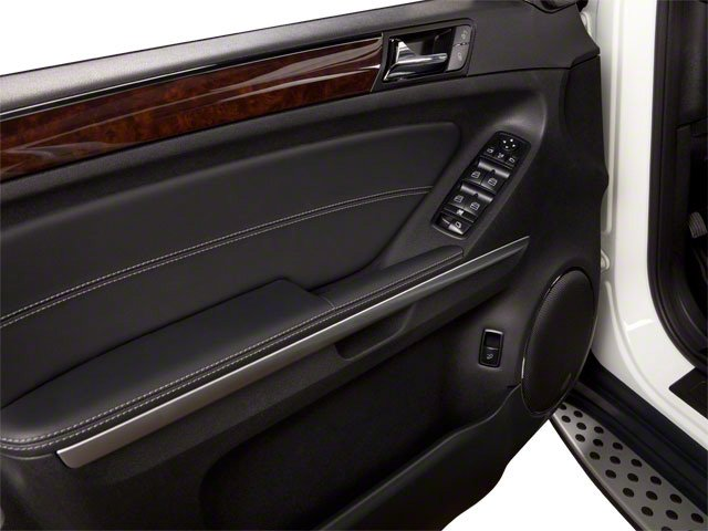 2012 Mercedes-Benz GL-Class Prices and Values Utility 4D GL550 4WD driver's door