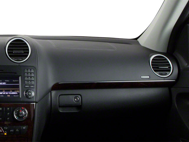 2012 Mercedes-Benz GL-Class Prices and Values Utility 4D GL550 4WD passenger's dashboard