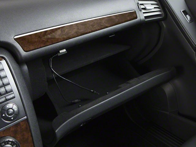 2012 Mercedes-Benz R-Class Prices and Values Utility 4D R350 BlueTEC AWD glove box