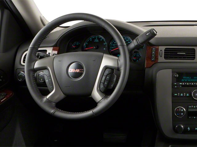 2013 GMC Yukon XL Pictures Yukon XL Utility C1500 SLT 2WD photos driver's dashboard