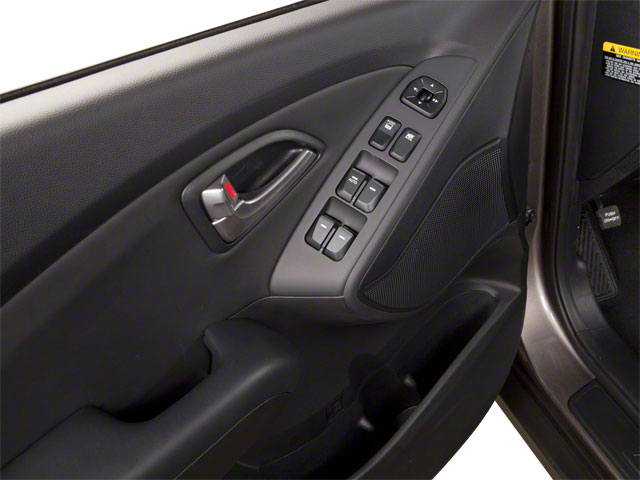 2013 Hyundai Tucson Prices and Values Utility 4D GLS 2WD driver's door