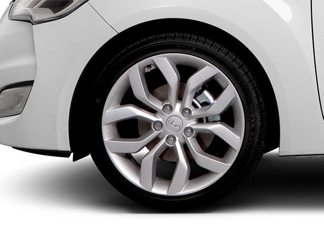 2013 Hyundai Veloster Prices and Values Coupe 3D wheel