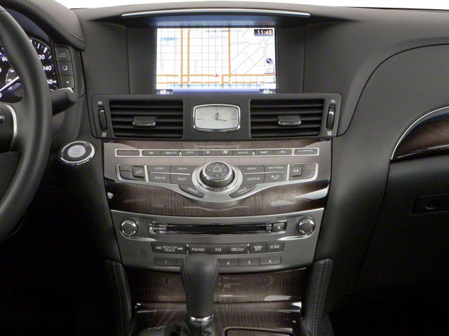 2013 INFINITI M56 Pictures M56 Sedan 4D x AWD V8 photos center console
