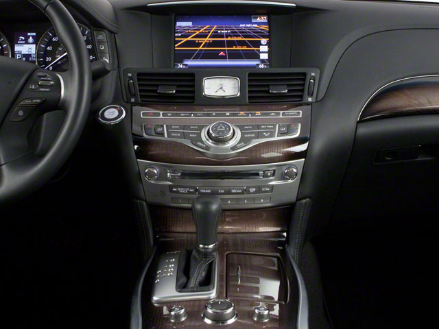 2013 INFINITI M35h Pictures M35h Sedan 4D V6 Hybrid photos center console