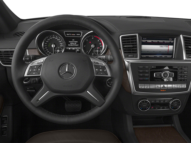 2013 Mercedes-Benz GL-Class Prices and Values Utility 4D GL350 BlueTEC 4WD driver's dashboard