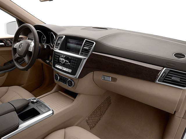 2013 Mercedes-Benz GL-Class Prices and Values Utility 4D GL450 4WD passenger's dashboard