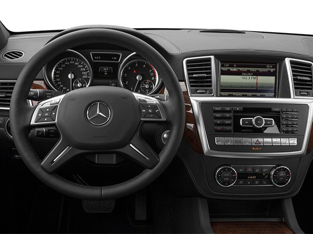 2013 Mercedes-Benz GL-Class Pictures GL-Class Utility 4D GL550 4WD photos driver's dashboard