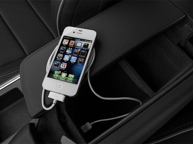 2013 Mercedes-Benz GL-Class Prices and Values Utility 4D GL550 4WD iPhone Interface