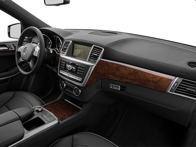 2013 Mercedes-Benz GL-Class Prices and Values Utility 4D GL550 4WD passenger's dashboard