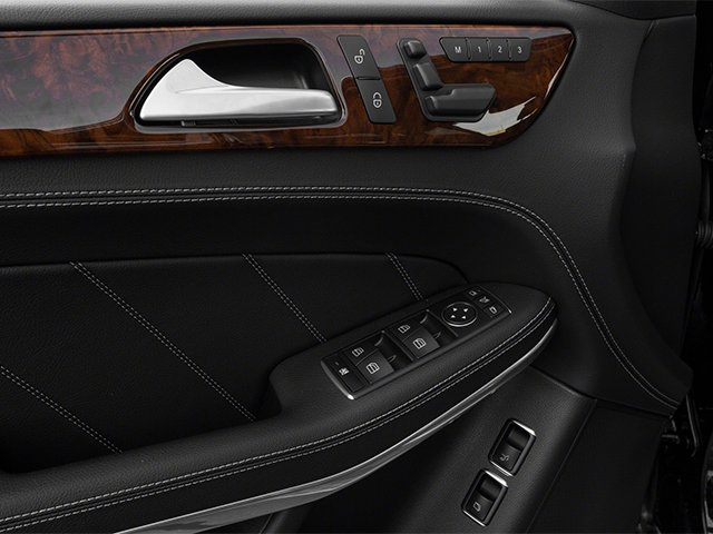 2013 Mercedes-Benz GL-Class Prices and Values Utility 4D GL550 4WD driver's side interior controls