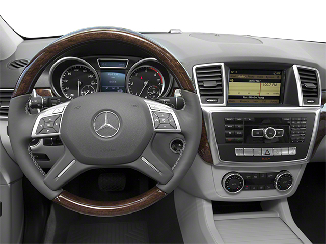 2013 Mercedes-Benz M-Class Pictures M-Class Utility 4D ML350 BlueTEC AWD photos driver's dashboard