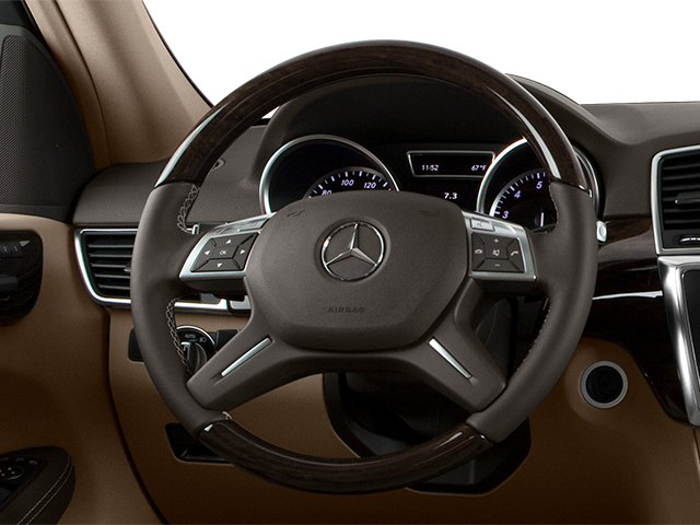 2013 Mercedes-Benz M-Class Pictures M-Class Utility 4D ML350 2WD photos driver's dashboard