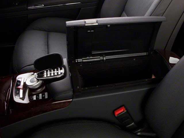 2013 Mercedes-Benz S-Class Prices and Values Sedan 4D S63 AMG center storage console