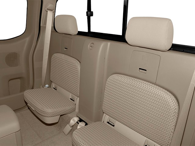 2013 Nissan Frontier Pictures Frontier King Cab SV 2WD photos backseat interior