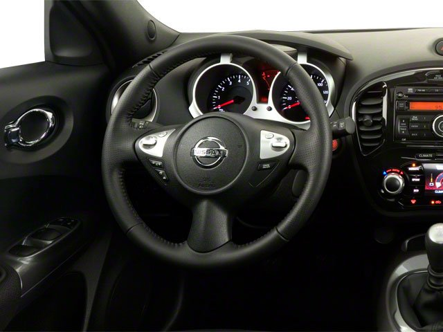 2013 Nissan JUKE Prices and Values Utlity 4D S AWD I4 Turbo driver's dashboard