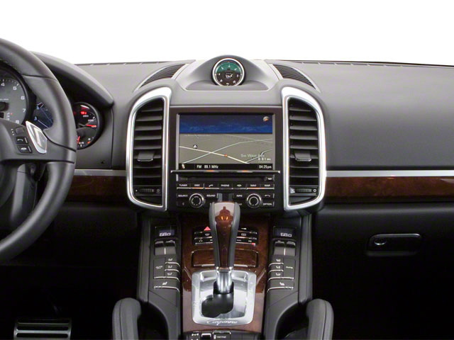 2013 Porsche Cayenne Prices and Values Utility 4D AWD (V6) center dashboard