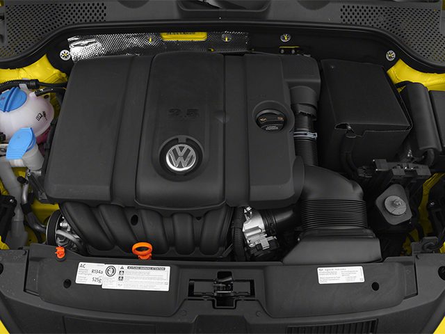 2013 Volkswagen Beetle Coupe Pictures Beetle Coupe 2D TDI photos engine