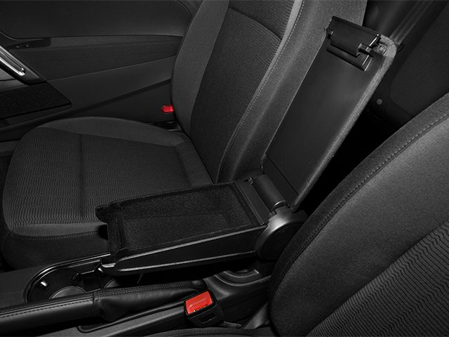 2013 Volkswagen Beetle Coupe Pictures Beetle Coupe 2D TDI photos center storage console