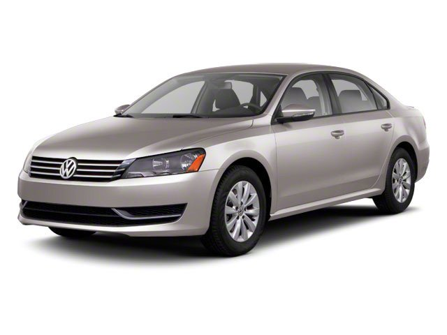 2013 Volkswagen Passat Prices and Values Sedan 4D SE I5 side front view