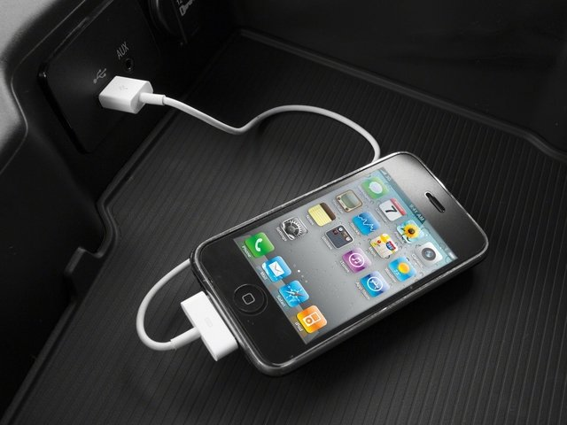 2014 Ram Truck 3500 Prices and Values Regular Cab Tradesman 4WD iPhone Interface