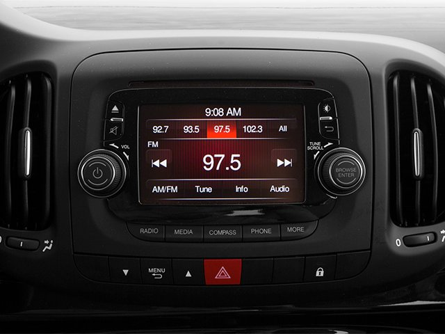 2014 FIAT 500L Pictures 500L Hatchback 5D L Lounge I4 Turbo photos stereo system