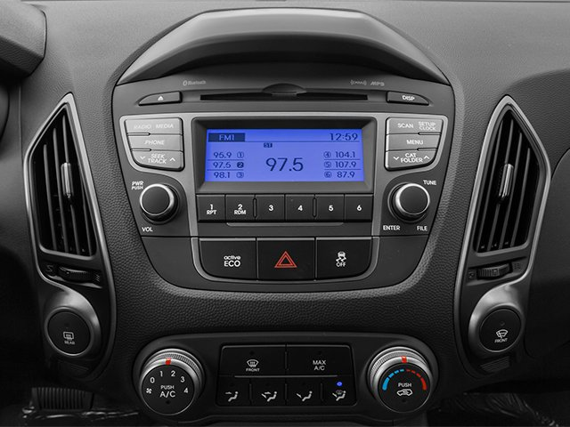 2014 Hyundai Tucson Pictures Tucson Utility 4D Limited AWD I4 photos stereo system