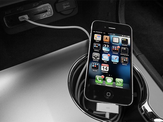 2014 Jeep Grand Cherokee Prices and Values Utility 4D Summit Diesel 4WD iPhone Interface