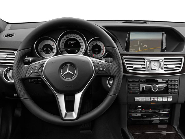 2014 Mercedes-Benz E-Class Prices and Values Sedan 4D E250 BlueTEC AWD I4 T-Diese driver's dashboard