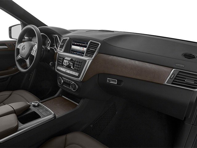 2014 Mercedes-Benz GL-Class Prices and Values Utility 4D GL350 BlueTEC 4WD V6 passenger's dashboard
