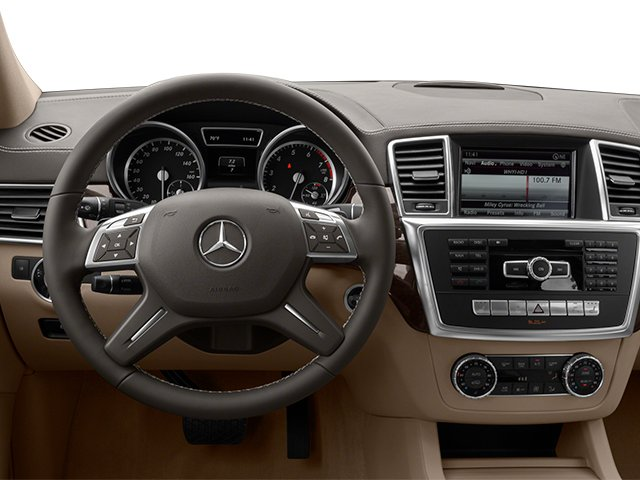 2014 Mercedes-Benz GL-Class Prices and Values Utility 4D GL450 4WD V8 driver's dashboard