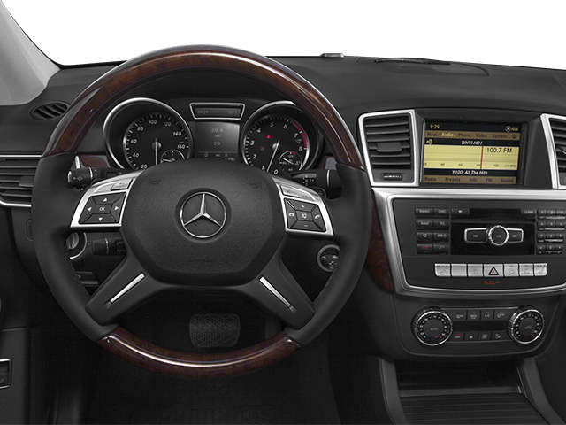 2014 Mercedes-Benz M-Class Prices and Values Utility 4D ML550 AWD V8 Turbo driver's dashboard