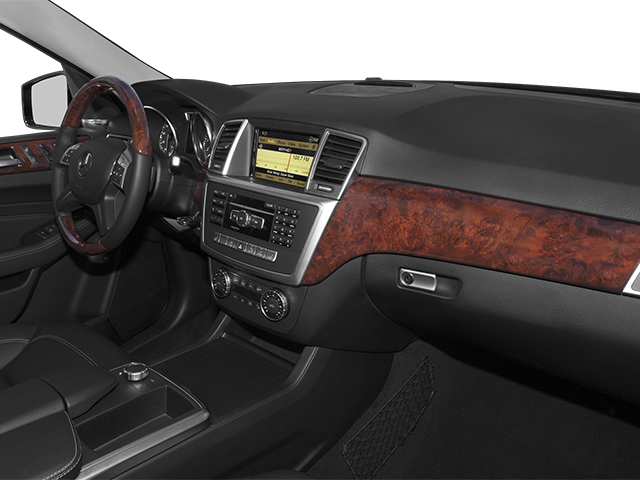 2014 Mercedes-Benz M-Class Prices and Values Utility 4D ML550 AWD V8 Turbo passenger's dashboard