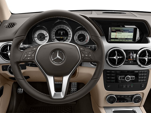 2014 Mercedes-Benz GLK-Class Prices and Values Utility 4D GLK350 2WD V6 driver's dashboard