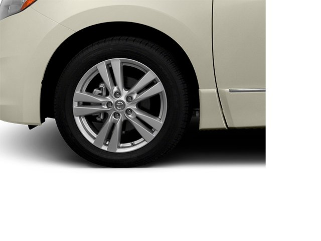 2014 Nissan Quest Prices and Values Van SL 3.5 V6 wheel