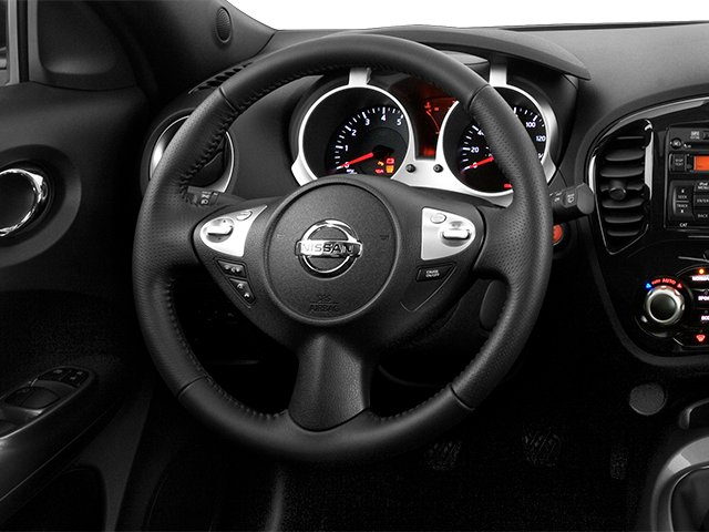 2014 Nissan JUKE Prices and Values Utlity 4D SL 2WD I4 Turbo driver's dashboard