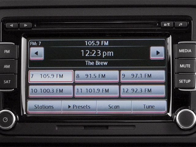 2014 Volkswagen Jetta Sedan Pictures Jetta Sedan 4D TDI I4 photos stereo system