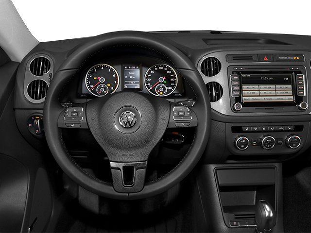 2014 Volkswagen Tiguan Prices and Values Utility 4D SE 2WD I4 Turbo driver's dashboard