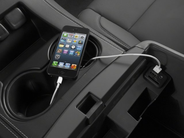 2015 Chevrolet Suburban Pictures Suburban Utility 4D LT 4WD V8 photos iPhone Interface
