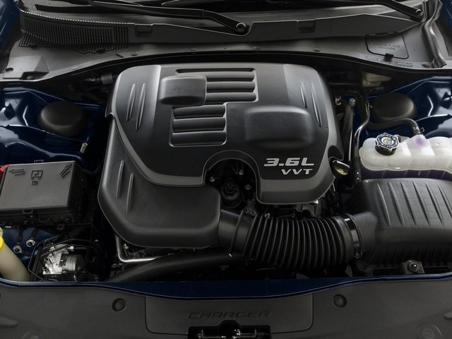 2015 Dodge Charger Prices and Values Sedan 4D R/T Scat Pack V8 engine