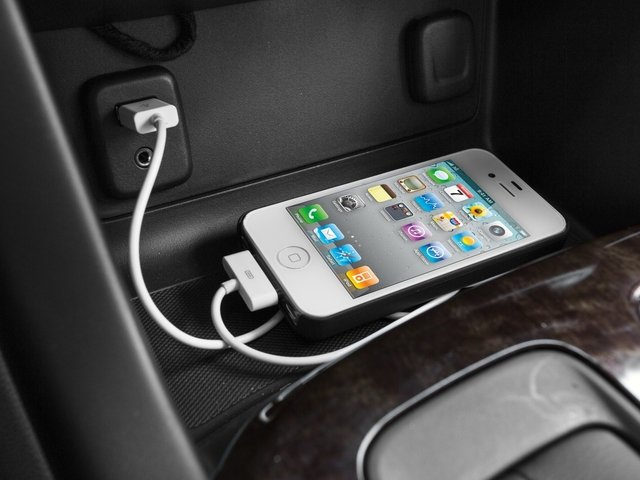 2015 GMC Canyon Prices and Values Crew Cab SLE 4WD iPhone Interface
