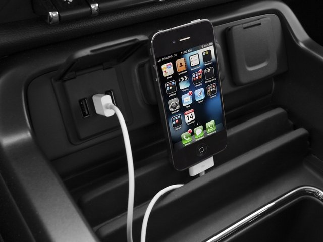 2015 GMC Sierra 1500 Prices and Values Crew Cab SLT 2WD iPhone Interface