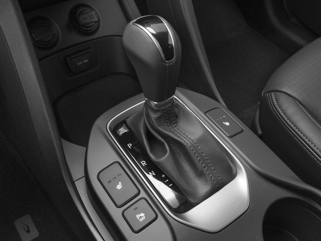 2015 Hyundai Santa Fe Prices and Values Utility 4D GLS 2WD center console