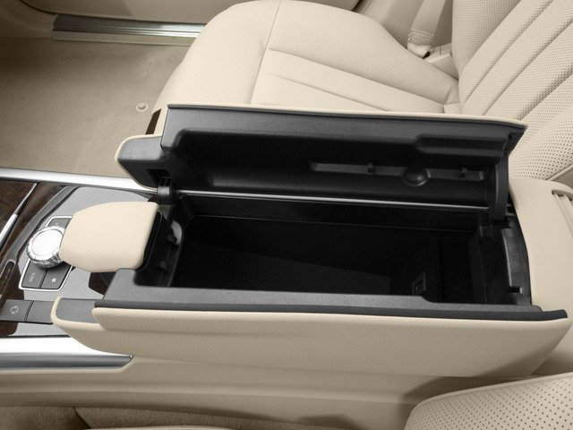2015 Mercedes-Benz E-Class Pictures E-Class Sedan 4D E400 V6 Turbo photos center storage console