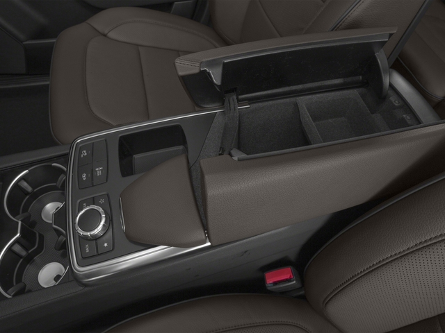 2015 Mercedes-Benz GL-Class Prices and Values Utility 4D GL350 BlueTEC 4WD V6 center storage console