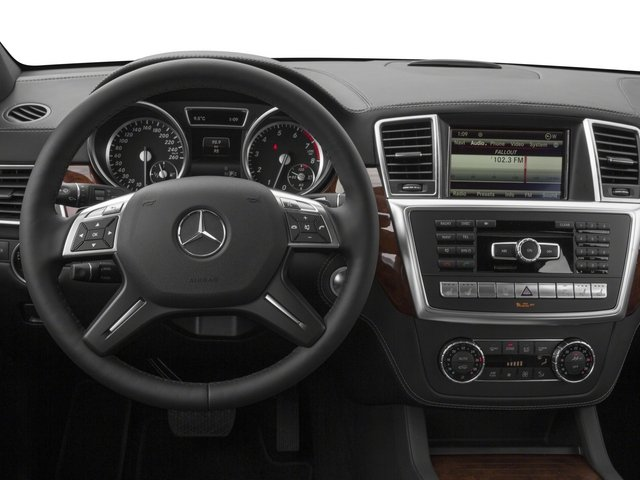 2015 Mercedes-Benz GL-Class Prices and Values Utility 4D GL550 4WD V8 driver's dashboard