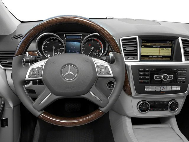 2015 Mercedes-Benz M-Class Prices and Values Util 4D ML250 BlueTEC AWD I4 T-Dsl driver's dashboard