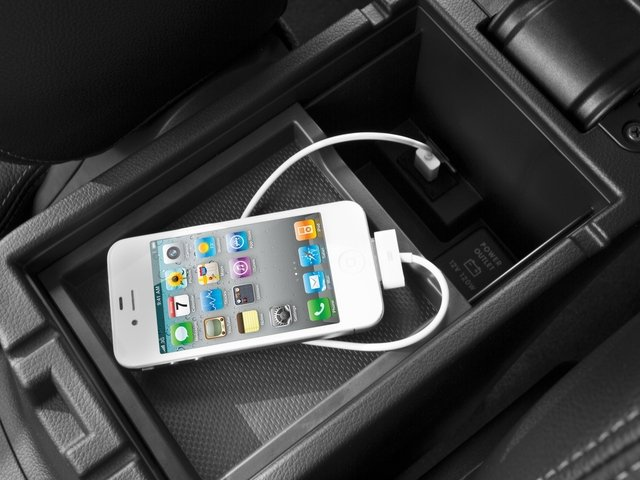 2015 Mitsubishi Outlander Prices and Values Utility 4D ES 2WD I4 iPhone Interface