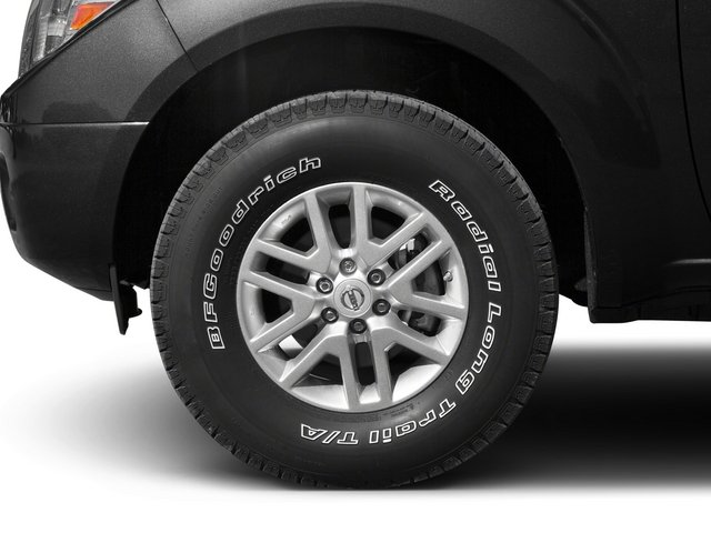 2015 Nissan Frontier Prices and Values Crew Cab SL 2WD wheel